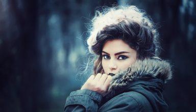 kobieta w makijażu permanentnym brwi